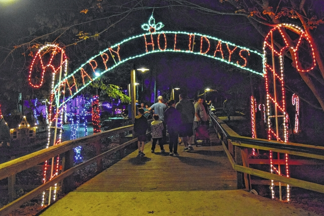 Amazing The Entrance To Riverbanks Zoo Is This Candy Cane Arch That Helps Set The  Mood.